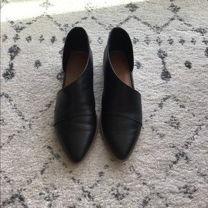 Universal Thread cut-out black loafers